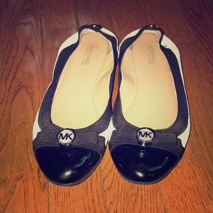 Michael Kors Black and white basic flats size 7.